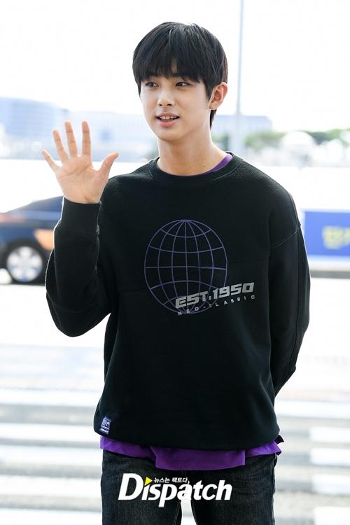Kim Min Gyu, tên tuổitừng gây sốt tại Produce X101, lên đường sang Los Angeles (Mỹ).