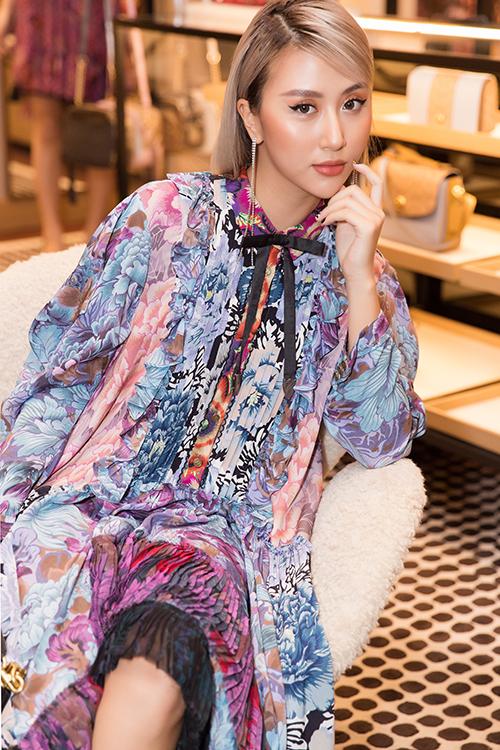 Sau thời gian theo đuổi hình ảnh fashionista, Quỳnh Anh Shyn dự định tấn công showbiz bằng nhiều dự án nghệ thuật hơn trong thời gian tới.
