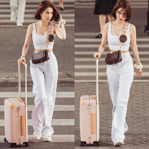 Túi xách đa chức năng đang trở thành xu hướng mới của các thương hiệu cao cấp. Sau mốt túi 2 trong 1 của Chanel, đến lượt Louis Vuitton trình làng mẫuMulti Pochette