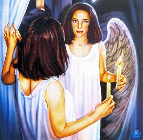Song Tử đa diện với tạo hình thiên thần cánh trắng.
