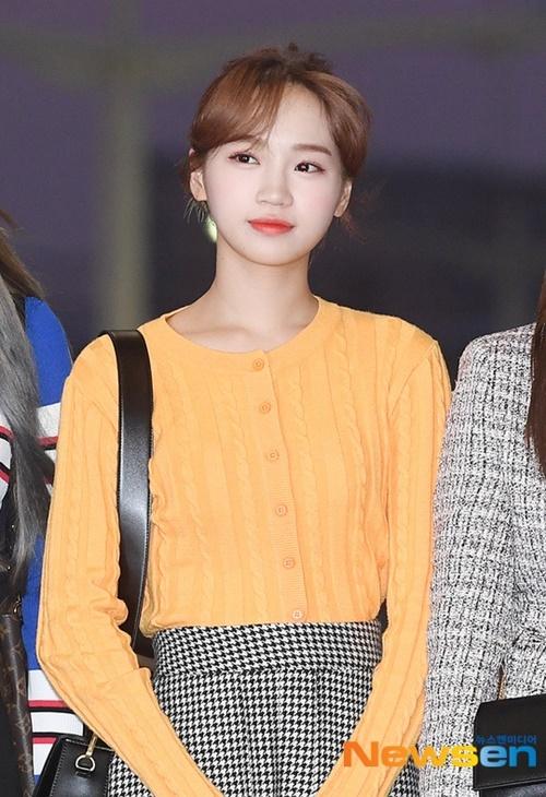 Kim Chae Won có khuôn mặt nhỏ, cô nàng là thành viên rất nổi tiếng ở Nhật.
