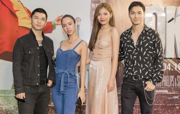 Tại sự kiện, cặp đôi cùng chụp ảnh cùng vợ chồng Chúng Huyền Thanh - Jay Quân.