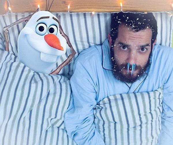 Bạn sẽ bị cảm lạnh khi ngủ chung với Olaf.