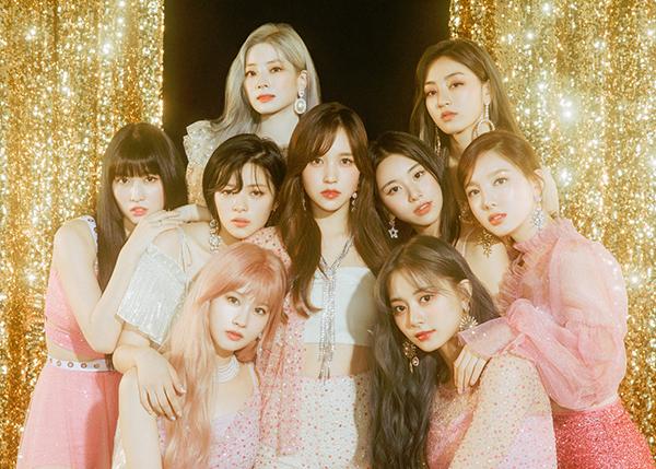 Twice - những cô gái có khả năng tiêu thụ album lớn nhất hiện nay của Kpop.