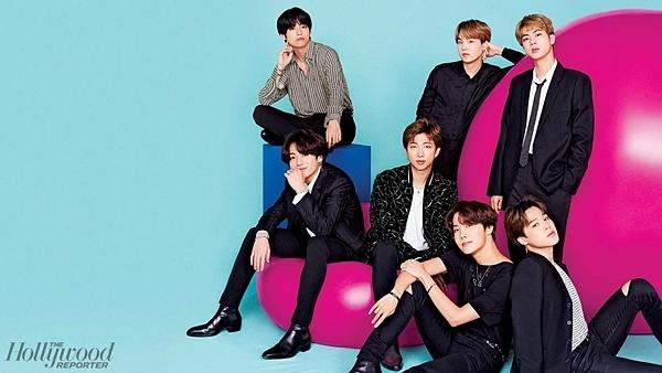 Tác giả bài báo nhận nhiều sự chỉ trích của fan BTS vì thái độ thiếu tôn trọng nhóm.