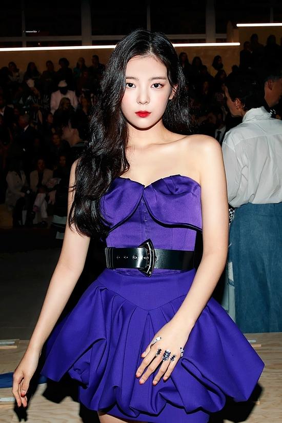 Bức ảnh huyền thoại của Lia (ITZY) - Irene (Red Velvet) - 1