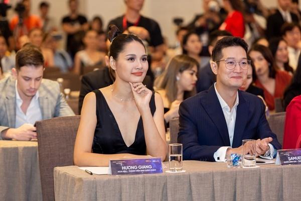 Hoa hậu Hương Giang và nhiếp ảnh gia Samuel Hoàng.