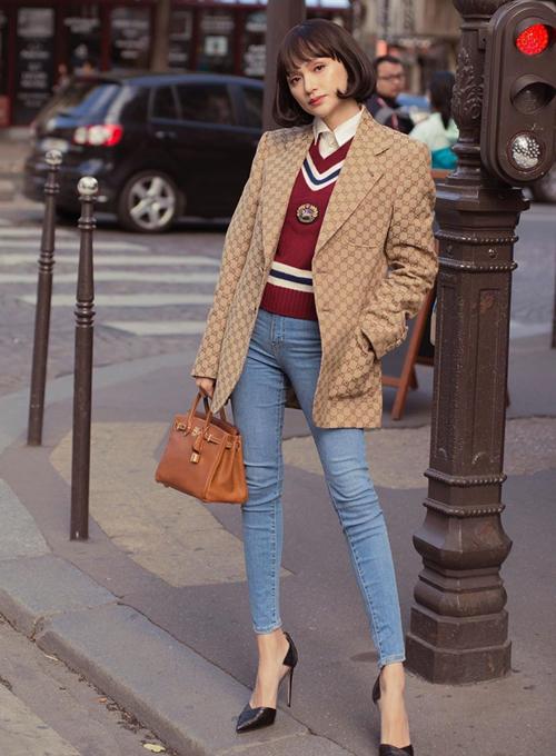 Trang phục Gucci và túi xách Hermes giúp Hương Giang thể hiện thành công hình ảnh của một quý cô thanh lịch nước Pháp.