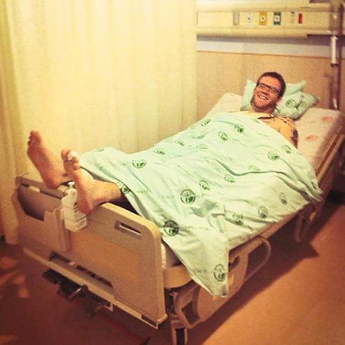Và cả chiếc giường bệnh viện cũng không dành cho bạn?
