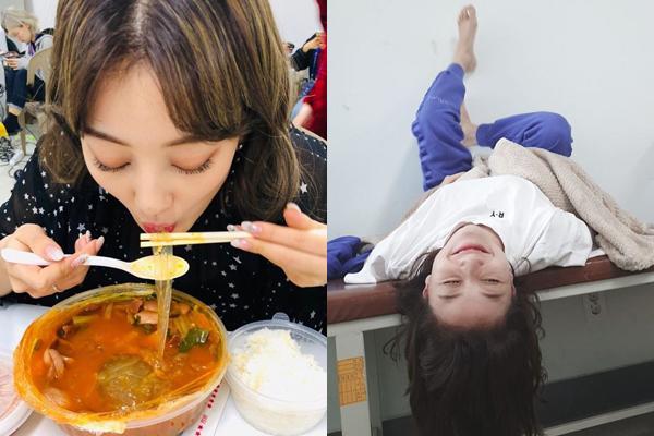 Ji Hyo (Twice) tung ảnh tự dìm trong hậu trường khiến fan không nhịn được cười.