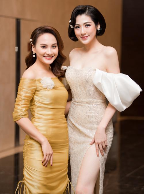 Người đẹp sinh năm 1993 có dịp hội ngộ cùng đàn chị Bảo Thanh tại sự kiện.