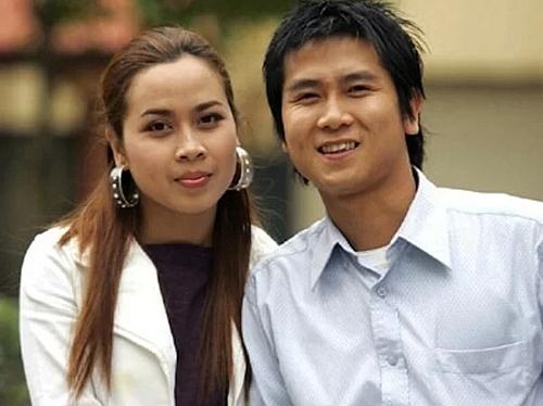 Năm 2009, khuôn mặt của Lưu Hương Giang vẫntròn trịa, sống mũi thấp, hếch.