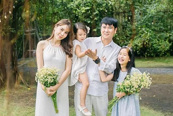Gia đình Hồ Hoài Anh.