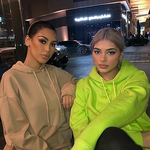 Sonia (trái) và Fyza.