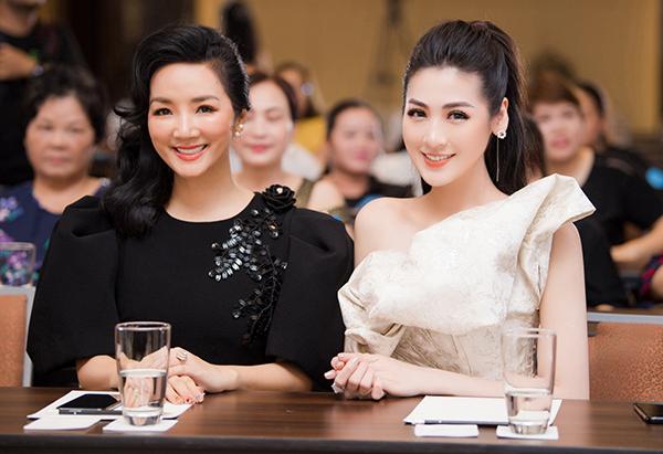 Trong sự kiện về làm đẹp, người đẹp tuổi Gà có cơ hội gặp gỡ người đẹp đền Hùng Giáng My.