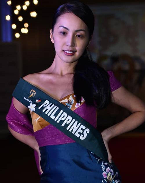 Philippines thuộc nhóm thí sinh được đánh giá cao trong phần thi mặt mộc.