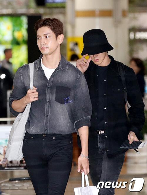 DBSK kết thúc lịch trình ở Nhật và cũng ngay lập tức về Hàn. Trước đó, cả hai đều thể hiện sự đau khổ khi xuất hiện ở sân bay. Sulli được coi là công chúa nhỏ của SM, lớn lên cùng các nghệ sĩ trong công ty.