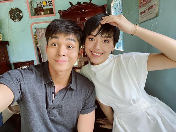 Jun Phạm và Khánh Linh so độ đẹp trai khi cùng để tóc ngắn.