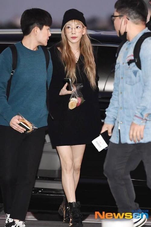Tae Yeon khiến fan yên tâm khi xuất hiện.