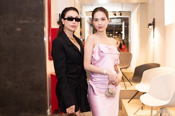 Tôi và Trinh có nhiều điểm tương đồng về vóc dáng, phong cách. Cả hai thường xuyên góp ý cho nhau về cách chọn trang phục mỗi khi dự event, cô nói.