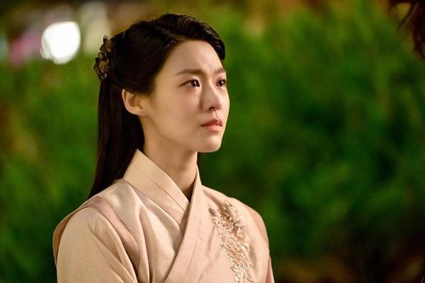 Seol Hyun chia sẻ cảnh khóc đầy cảm xúc trong phim mới My Country.