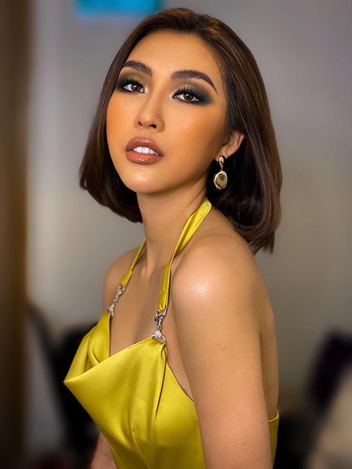 Tường Linh makeup phong cách Tây quyến rũ.