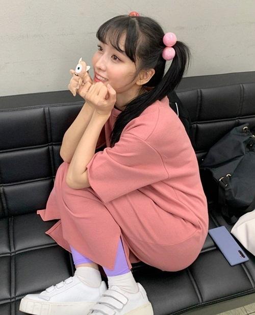 Momo đáng yêu trong hậu trường fanmeeting với màn hóa trang thành cô bé Boo trong Monsters Inc.