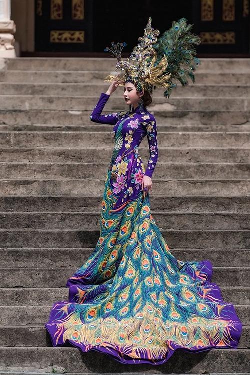 Đại diện Việt Nam tại cuộc thi Hoa hậu Châu Á Thế giới - Miss Asia World 2018 Chi Nguyễn đã gặp phải xui rũi khi bất ngờ phát hiện ra bộ quốc phục Khổng Tước nặng 20 kg cô cất công đem sang Li Băng bị cắt nát không thương tiếc. Sự cố xảy ra trước giờ diễn vài tiếng khiến cô trở tay không kịp.