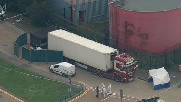 Chiếc xe tải chứ 39 thi thểở Essex, đông bắc London, Anh.