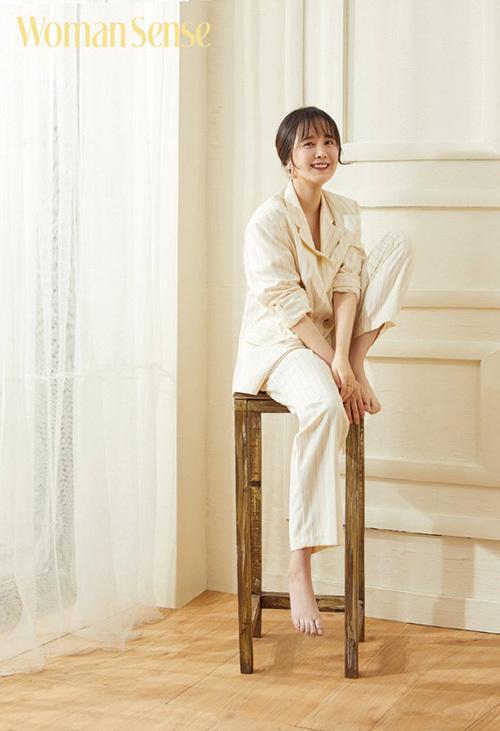 Goo Hye Sun liên tục nhắc đên tên chồng trên phương tiện truyền thông.