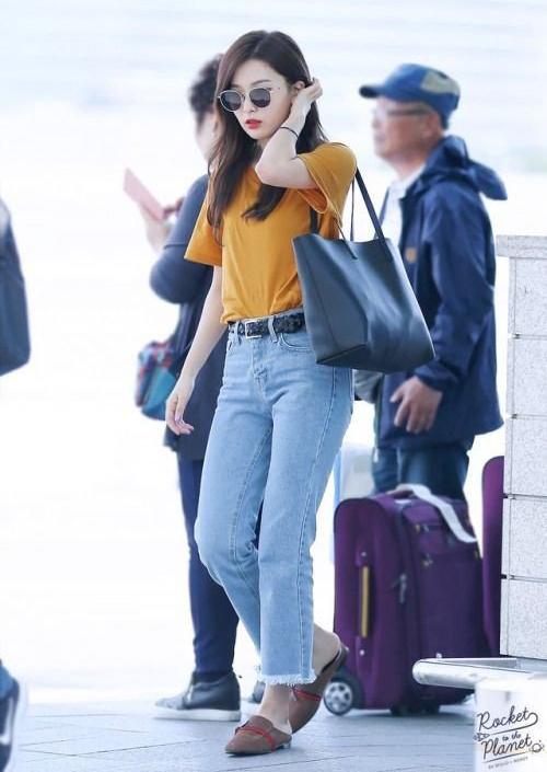 Seul Gi có chiều cao không quá nổi bật trong Kbiz (1,62 m) tuy nhiên nhờ thân hình lý tưởng, cô nàng được khen mặc đẹp chẳng kém các người mẫu.