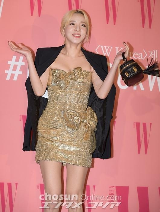 Dara (cựu thành viên 2NE1)gây ấn tượng nhờ visual trẻ trung ở tuổi 36.