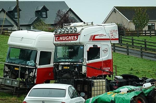 Xe tải A C Hughes nhìn thấy gần địa chỉ kinh doanh của C Hughes Transport ở Tyholland, Ireland.