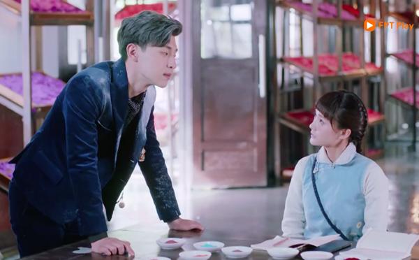 Đặng Luân có nhiều cảnh thả thính Lý Nhất Đồng trong phim.