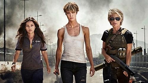 Nhân vật Dani (trái) và Grace (giữa) là những gương mặt mới được bổ sung, bên cạnh sự trở lại của Sarah Conner (phải).