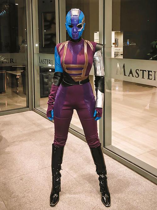 Băng Di xứng danh nữ hoàng hóa trang Halloween vì luôn mang đến những tạo hình đầu tư chỉn chu. Năm nay, cô hóa thành nhân vật Nebula trong phim của Marvel.