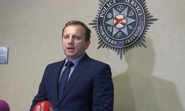 Chánh thanh tra cao cấp Daniel Stoten phát biểu trong cuộc họp báo. Ảnh: PA.