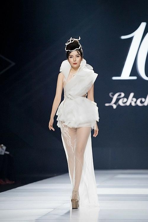 Cao Thái Hà giảm 2 kg trong ba ngày để mặc vừa mẫu váy cưới.