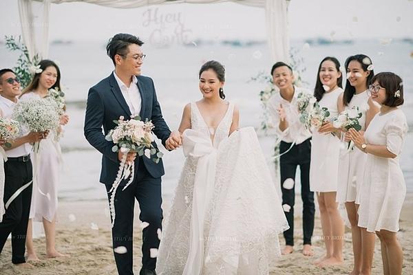 Hình cưới được chụp tại Phan Thiết của vợ chồng Kiều Oanh.