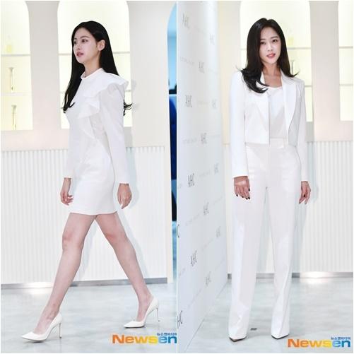 Hai diễn viên Jo Bo Ah và Oh Yeon Seo cũng là khách mời của sự kiện và diện set đô trắng thanh lịch.