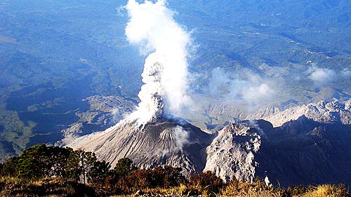 Bạn có biết 7 ngọn núi lửa nguy hiểm nhất thế giới?