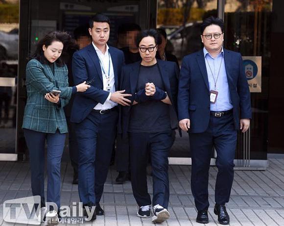 Đạo diễn Ahn Joon Young bị bắt.