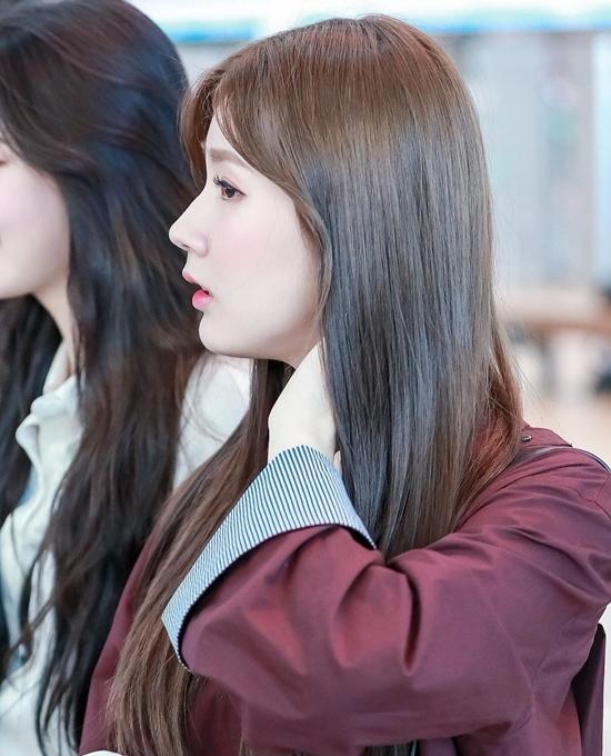 Chiếc mũi cao thẳng tắp của Mi Yeon là niềm mơ ước của nhiều cô gái. Nhiều fan cho rằng chiếc mũi của Mi Yeon có thể sánh với đại mỹ nhân Han Ga In của Kbiz.