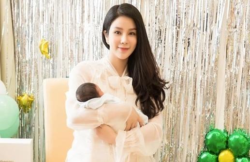 Diệp Lâm Anh hạnh phúc khi làm mẹ lần hai.