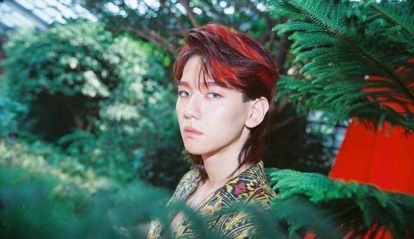 Kiểu tóc tương đồng với Khá Bảnh của Baekhyun trong MV Kokobop.