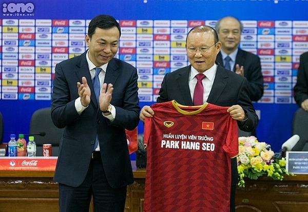 HLV Park Hang-seo gia hạn hợp đồng với Việt Nam.