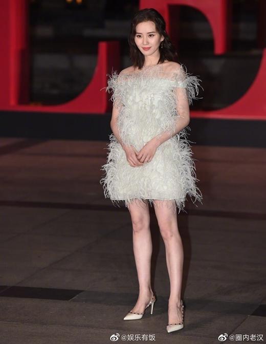 Những khách mời hàng ghế đầu của sự kiện còn có nữ diễn viên Lưu Thi Thi...