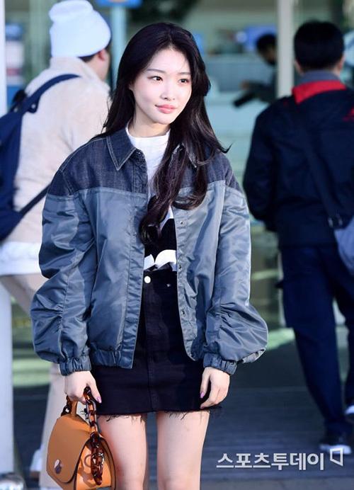 2 visual nhà JYP Yuna - Tzuyu đọ nhan sắc đỉnh cao ở sân bay - page 2 - 4