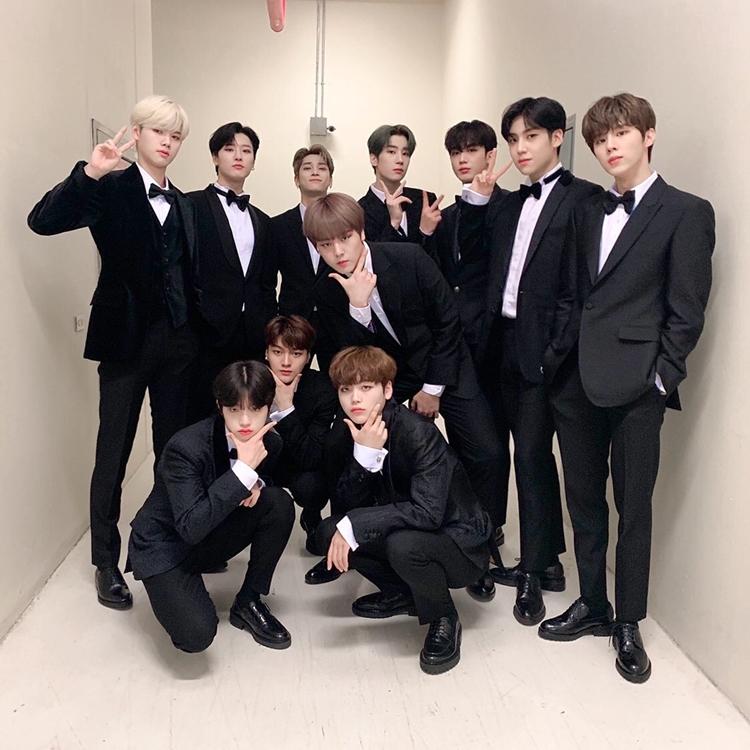 X1 là nhóm nhạc bước ra từ show Produce X 101 năm nay.