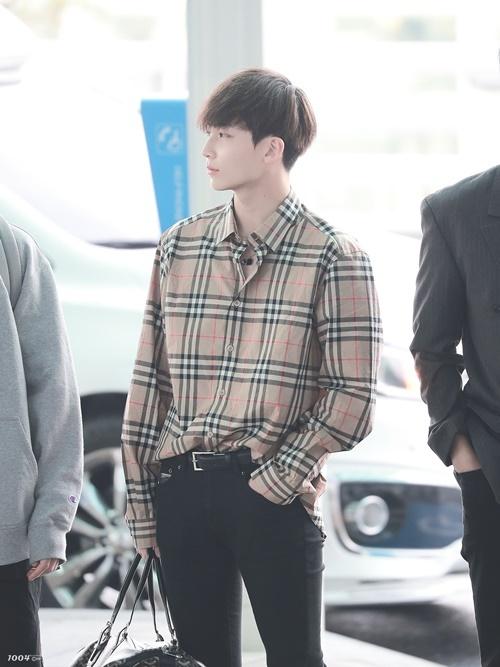 Jeong Han luôn là thành viên có gu thời trang ấn tượng trong nhóm.
